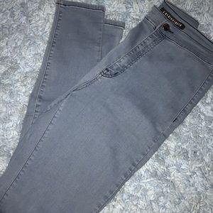 Fashion Nova ~ super high waisted jeans